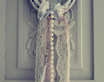 Genuine Iron Lucky Horseshoe Good Luck Wedding with LOVE Heart & Pearls