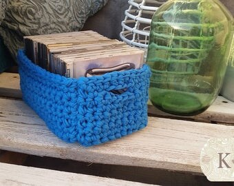 Decorative basket blue trapillo
