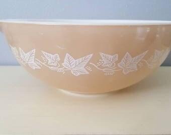Pyrex vintage cinderella mixing bowl # 444