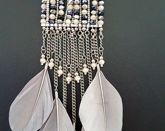 Beautiful necklace made of  quartz and hematite crystals decorated with feathers * Bohemian style * Long stylish necklace *