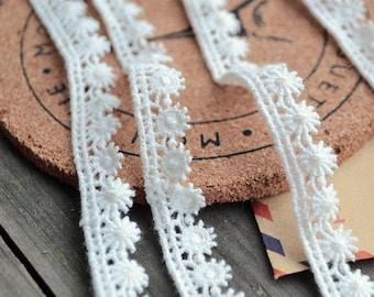 2 yard crocheted lace trim,ivory lace trim, bridal lace trim, Cord lace fabric, embroidered lace trim, retro lace trim