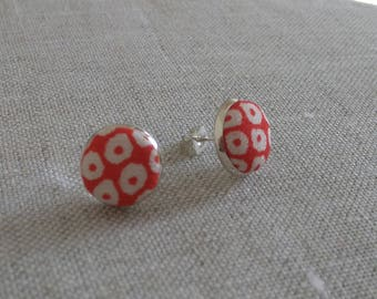 Pair of earrings with vintage kimono fabric