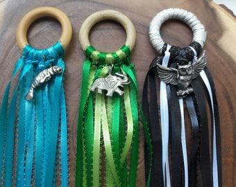 Hand Kite - Ribbon Wand - Waldorf Toy - Land Animals - Water Animals - Air Animals - Gross Motor - Imaginative Play - Totem Animals