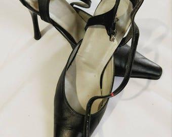 Vintage shoes,leather shoes,womens shoes,ladies shoes,retro shoes,soviet shoes,ussr era,old leather shoes,vintage black shoes,heel shoes