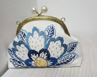 Vintage Embroidered bag, The classy, romantic,!