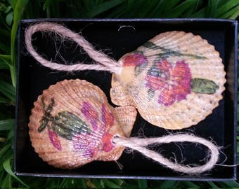 Set Of Two Shell Gift Tags, Gift Tags, Unusual Gift Tags, Beach Themed Tags,