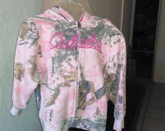Cabella's girl hunting sweat shirt
