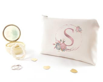 Bridal party gift Personalized bridesmaid cosmetic bag Maid of honor gift Wedding cosmetic bag Customized gift for bridesmaid Zipper pouches