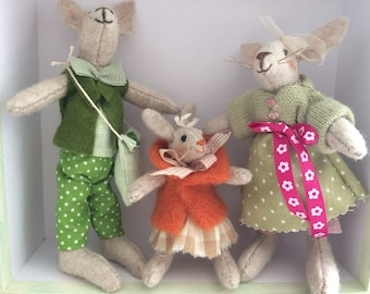 Puppets, small family of bunnies
