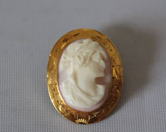 10K Gold Pink Conch Artemis Art Deco Cameo Brooch