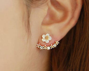 Daisy Flower Earrings Gold Color and Crystal Rhinestone