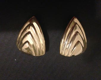 Vintage Gold Tone Triangular Clip On Earrings