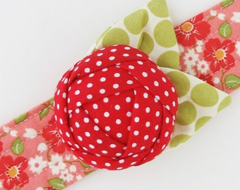 Rose Pincushion Cuff | Wrist pin cushion to make your sewing life easier.