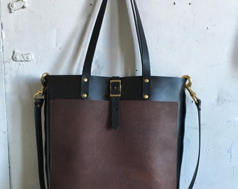 Harbor tote in black and cherry