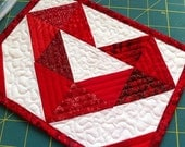 Mug Rug Pattern -  PDF Quilt Pattern  - Small quilt pattern, beginner pattern, downloadable pdf, Heart Quilt pattern, Valentine gift