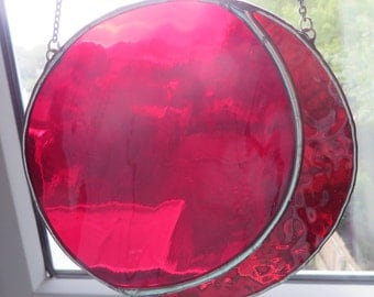 Ruby Moon! Gorgeous Gemmy Red Stained Glass Suncatcher - pewtermoonsilver
