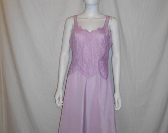 30% Off SALE 50's Purple Lace Slip