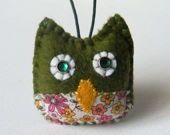 Mini Green Owl woodland ornament - READY TO SHIP