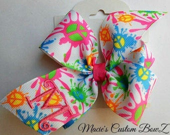 Monogram Tie Dye, Hair Bow Initial, Custom Boutique, Personalized Girls, Peace Sign, Trendy Kids, Neon Colors, Bright School, Splash Bow Hip
