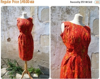 ON SALE 20% Vintage 1960/60s handmade day dress printed cotton size S/M