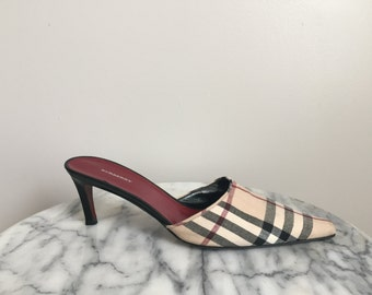 Gorgeous Burberry Nova Check Heels. Made in Italy.