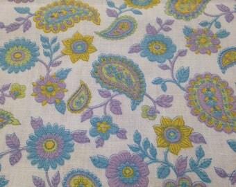 Vintage 1970s Paisley Print Cotton Fabric - 1 Yard Fabric Yardage / Fabric Yardage / Cotton Fabric/ 1970s Fabric / Paisley Print