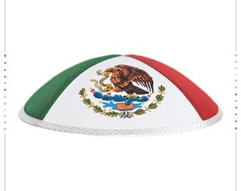 Flag Mexico. Bandera de México. Jewish kippah yarmulke.