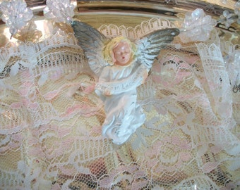 vintage nativity scene christmas crèche angel, hanging, replacement figure, plaster chalk ware, white robe, antiqued gold wings