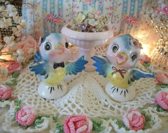 lefton bluebird mr. and mrs. salt and pepper shaker, 239, with little pink birdbath,  sweet whimsical vintage charm