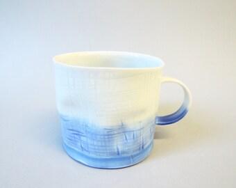 Blue bottom porcelain crumple cup