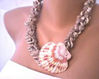 IBIZA DAYS Handmade sea shell necklace, beach weddings, beach jewelry,Beach Weddings Jewelry, mermaid necklace,seashell necklace