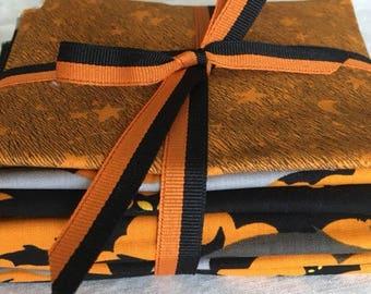 Halloween Fat Quarter Bundle - 6 pieces of Halloween themed fabric