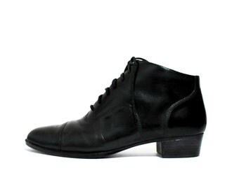 1990's Black Oxfords Ankle Boots