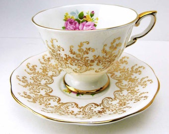 ROYAL STANDARD Golden Rose Bouquet Teacup and Saucer Set Albert Works Longton Stoke-on-on-Trent ENGLAND Early 20th Century Vintage 1940s