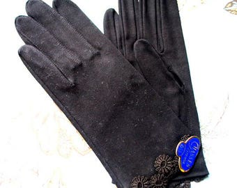 Mod vintage 60s, black , fine , thick cotton, short gloves with a  flowers applique.Made by Hansen. Size 6 1/2. Mint conditin.