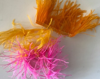 GRAB BAG  Miscellaneous Ostrich Fringe Feathers  / EE