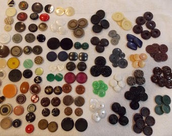 """Lot over 170 buttons, vintage large 1 to 2"""", variety colors, styles, 51 singles remainder matching sets"""