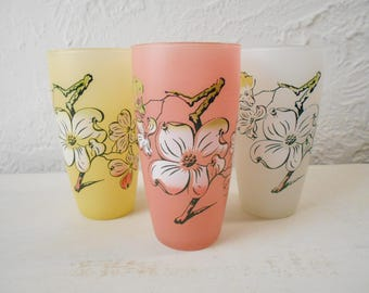vintage 50s Frosted Glass Tumblers / Drinking Glasses - Dogwood