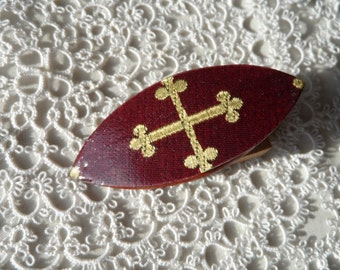 Tatting shuttle, red with medieval cross 2.5""
