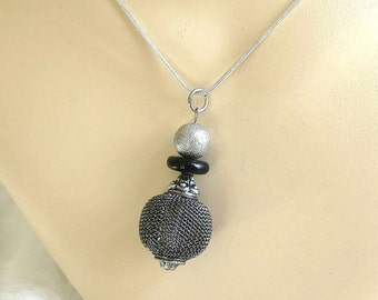 Sterling Silver Mesh Ball Orb Pendant Necklace Black Bead Vintage signed 925