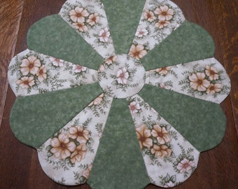 Spring Floral Table Topper Reverse to American Eagle 4th of July
