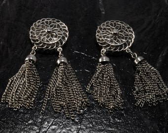 Vintage Shoe CLip Pair SIlver Tone Metal SIlver Tassels Ladies SHoe Accessory