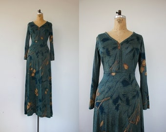 vintage 1970s dress / 70s green maxi dress / 70s autumn leaves maxi dress / 70s long sleeve dress / 70s full length dress / boho dress / L