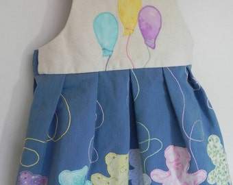 Toddlers jumper with balloons and bears