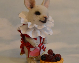 "Alice in Wonderland The Red Queen White Rabbit  ""I've got the Tart"" OOAK Needle felted Sofy Sculpture Artist Storybook Character Doll"
