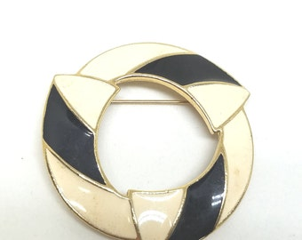 Trifari Black and White Enamel Vintage Circle Brooch  Signed  Pin