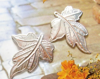 4 pcs 35mm - Siver plated brass leaf charm
