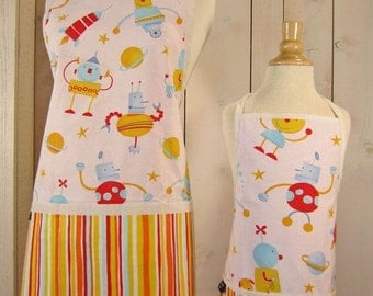 40% off Full Aprons - Robots Mommy and Me (kid size) Matching Apron Set - reversible aprons