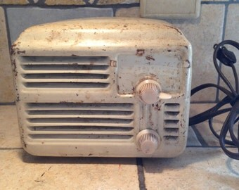 Old Appliance White Kitchen Electric Radio