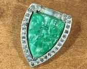Süße kleine Strass und geformten Glas Kleid Clip Blume Motiv Silberfarbe Metall signierte VH 40er 50er Jahre Böhmisches Glas grün weiß